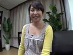 人妻熟女動画 : 団地妻宅に突撃ナンパ交渉して完落ちするまでの一部始終!