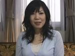 人妻熟女動画 : 若い肉棒に自然に疼いてしまう四十路巨乳熟女奥様