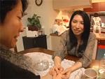 人妻熟女動画 : テーブルの下に潜り込み躊躇なく娘婿を寝取る義母
