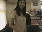 人妻熟女動画 : 40歳素人熟女かなの初脱ぎ