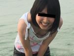 あだるとあだると : 【無修正】黒髪ちっぱい炉利娘と海辺でプチ露出&青姦中出し!ユリ