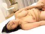 本日の人妻熟女動画 : 【素人】若い人って素敵!贅肉を揺らしてハメられちゃう熟女♪