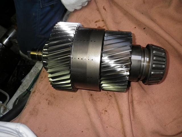MGN80EX(いすゞUM6WG1TCG)