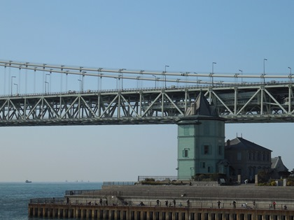 移情閣と大橋