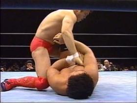 難なく抜けた高田は足を取って、