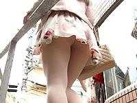 (パンツ丸見え秘密撮影24人)階段下から撮ったパンツが食い込み捲ってる小娘達だぁーwwwプリプリのお尻もマル見えじゃぁーwww