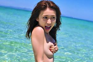 美巨乳の9割見えてる大島優子の手ぶらヌードがくっそエロい