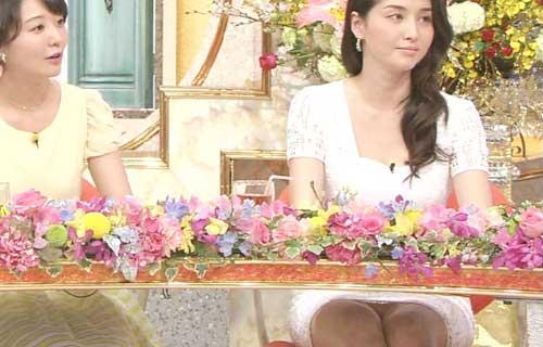 橋本マナミ TVタックルSP!でミニスカの股間からマン毛が透けた純白のパンツが丸見えパンチラ