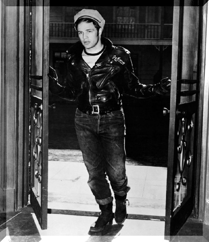 Marlon-Brando-The-Wild-One-Outfit-Picture-e1426726585949-800x925.jpg