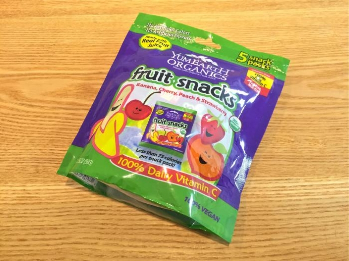 Yummy Earth, Organic Fruit Snacks, Banana, Cherry, Peach & Strawberry, 5 Packs, 3.5 oz (99 g) Total $3.74