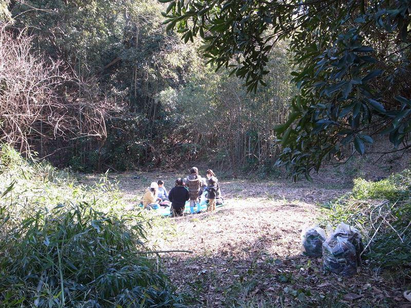 清掃後の野北の森でお昼