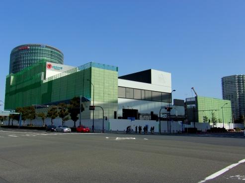 解体中の横浜GENTO a