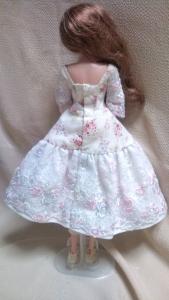 ジェニー白ドレス