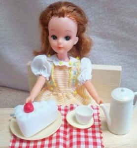 リカちゃんとケーキ