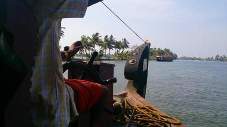 Cochin_Backwater_22.jpg