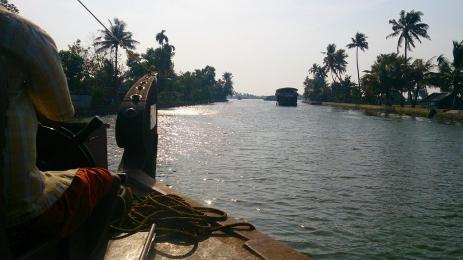 Cochin_Backwater_24.jpg