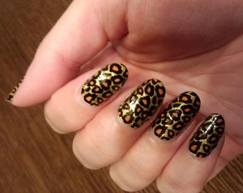 ドレスアップネイル・ゴールド豹柄