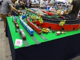 LEGOブロックを使った「Lゲージ」鉄道模型です。
