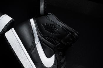 Air_Jordan_1_High_Srap_OG_Black_White_Sneaker_Politics_4_1024x1024.jpg