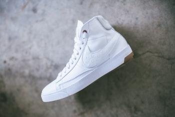 Nike_Blazer_LUX_PRM_QS_White_WHite_Pure_Platinum_Sneaker_Politics_1-2_1024x1024.jpg