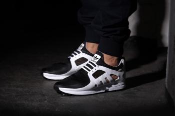 adidas-eqt-racer-2-0-core-black-00.jpg