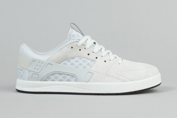nike-sb-eric-koston-huarache-summit-white-1.jpg