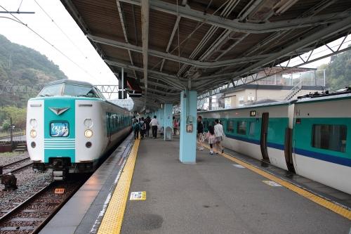 381系くろしお in 白浜駅 3