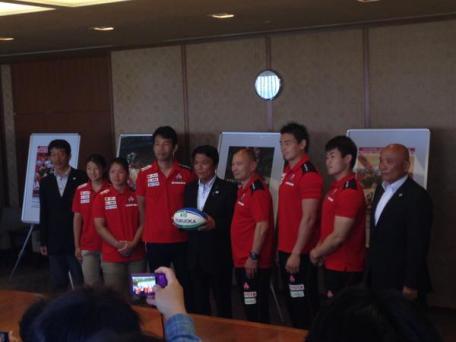 20150511ラグビー日本代表福岡県知事を訪問