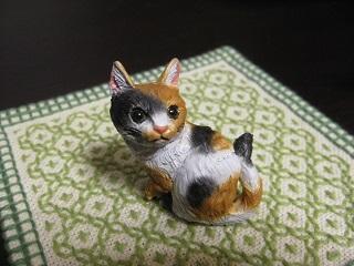 三毛猫フィギュア