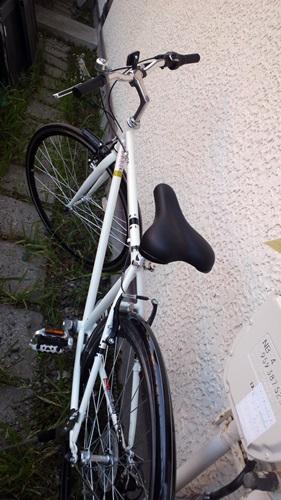 ハイブリッドバイク到着