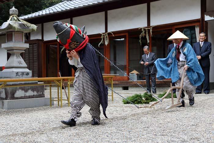 秋篠八所御霊神社 おんだ祭2