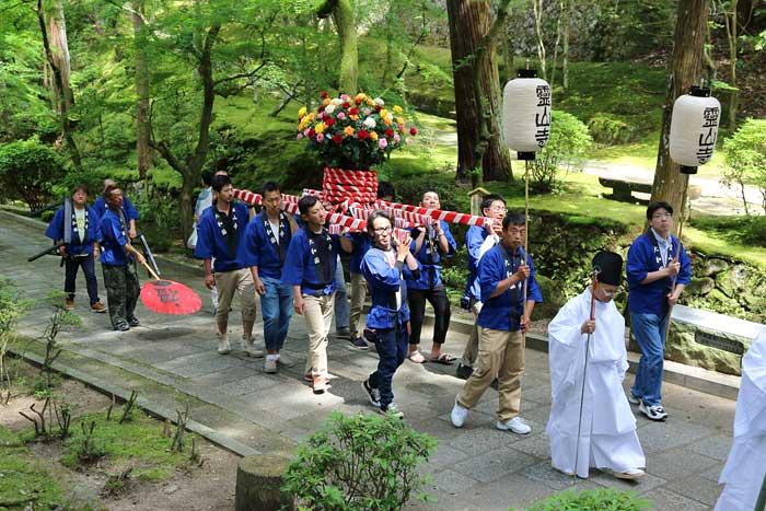 霊山寺 薔薇会式3