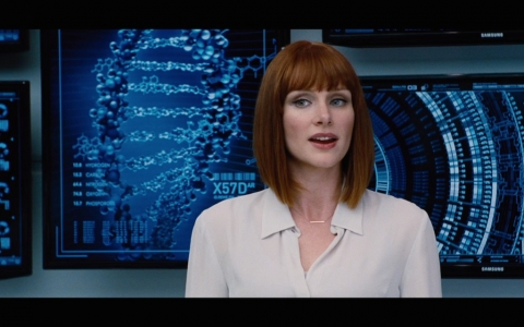 jurassic-world-screenshot-bryce-dallas-howard-claire.jpg