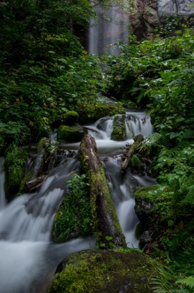 滝の流れ-4679
