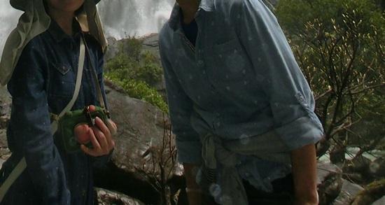大川の瀧アップ