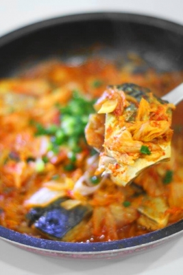 サバとキムチのピリ辛蒸し煮1