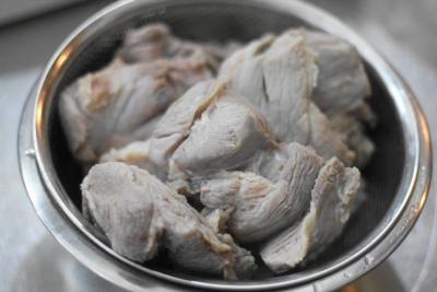 豚すね肉のポトフ3
