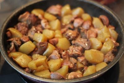 鶏もつとこんにゃくの甘辛照り煮1