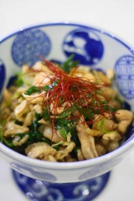 鶏皮と長ねぎ(青い部分)の甘辛炒め1