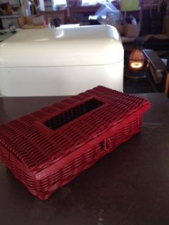 赤ティッシュボックス