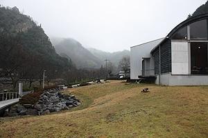 雨の塩江美術館3
