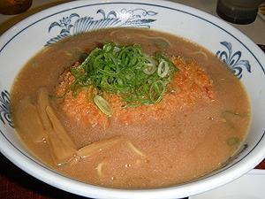 末広味噌カツラーメン