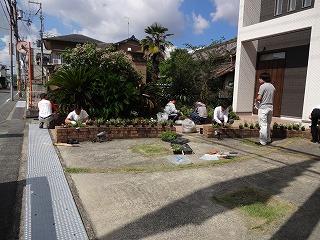 岸和田市大町のお花植え01
