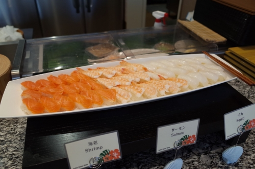お寿司もあるよ
