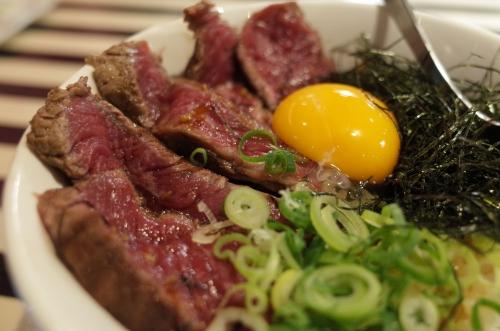 熟成牛のたたき丼2