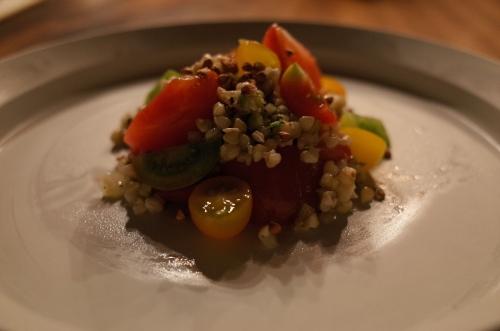 宮崎県産フルーツトマト'ひゅうが小町'とそばの実のサラダ