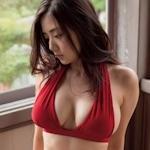 片山萌美 セクシービキニ画像