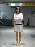 韓国美女 地下鉄駅構内 露出ヌード画像 1