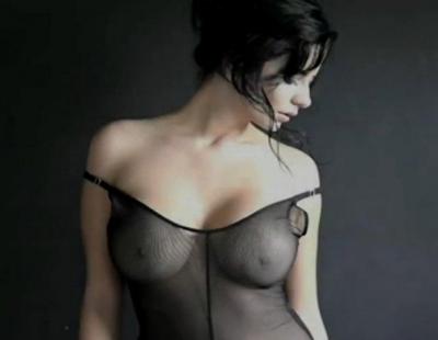 Ericka se desnuda y coge con el novio - 2 part 9