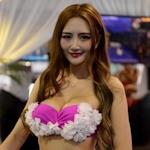 中国・海峡旅行博のセクシーコンパニオン画像
